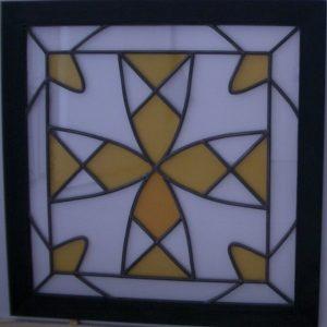 glas-in-lood kruis